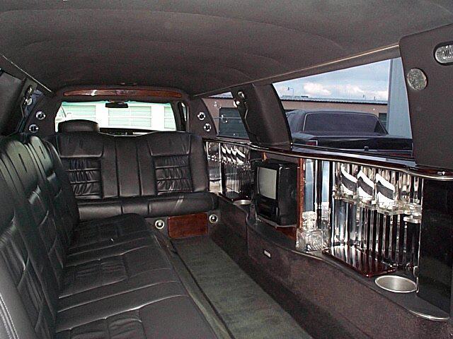 Monstersuv Com Lincoln 10 Passenger Stretch Limousine
